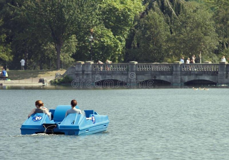 Download Canotage de Hyde Park photo stock. Image du détendez, loisirs - 739766