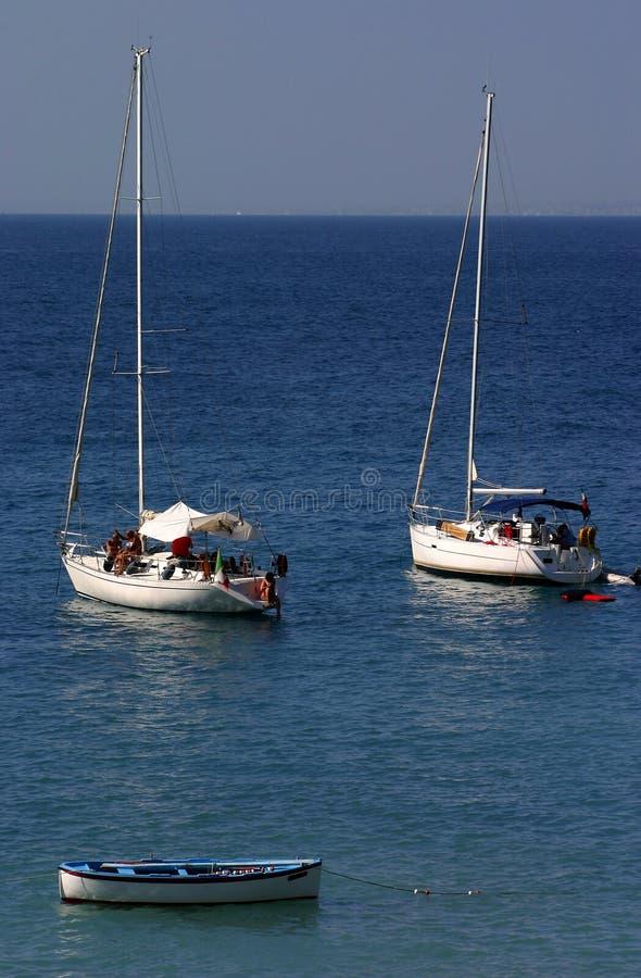 Canottaggio nel Mediterraneo immagine stock libera da diritti