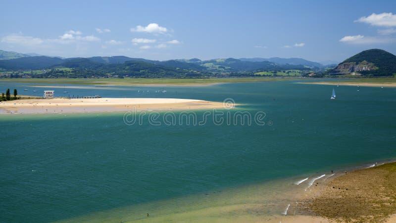 Cantabria Santona fjärd royaltyfria bilder