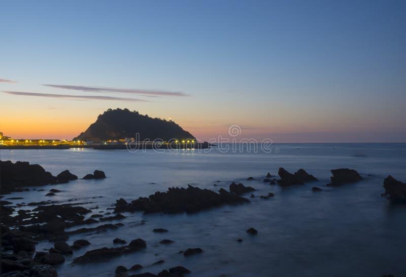 Cantabrian havsö av San Anton, by av Getaria royaltyfria foton