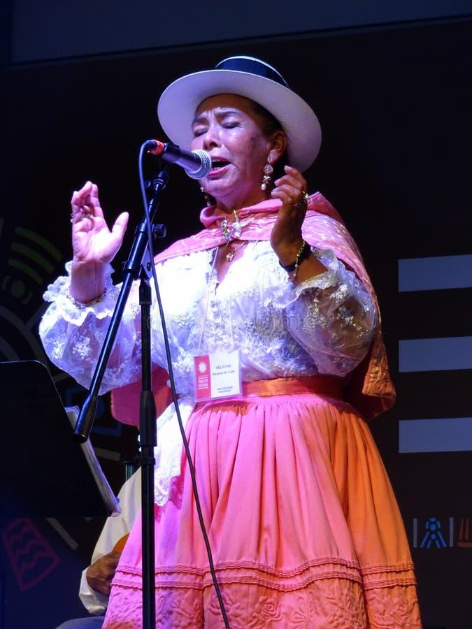 Cantante peruano de la mujer fotos de archivo