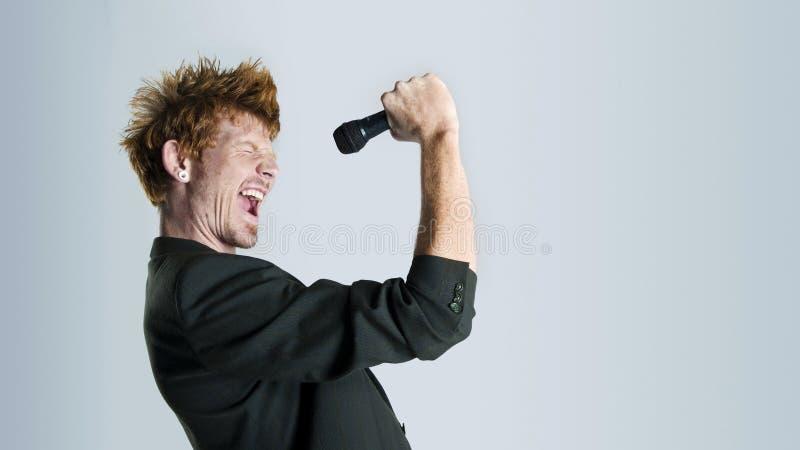 Cantante in studio fotografie stock libere da diritti