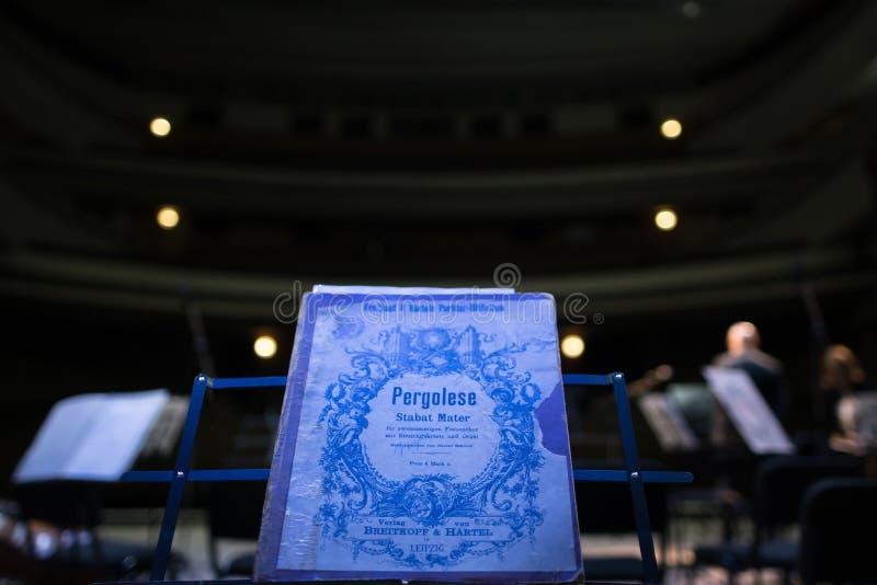 Cantata de Stabat Mater en la etapa imágenes de archivo libres de regalías