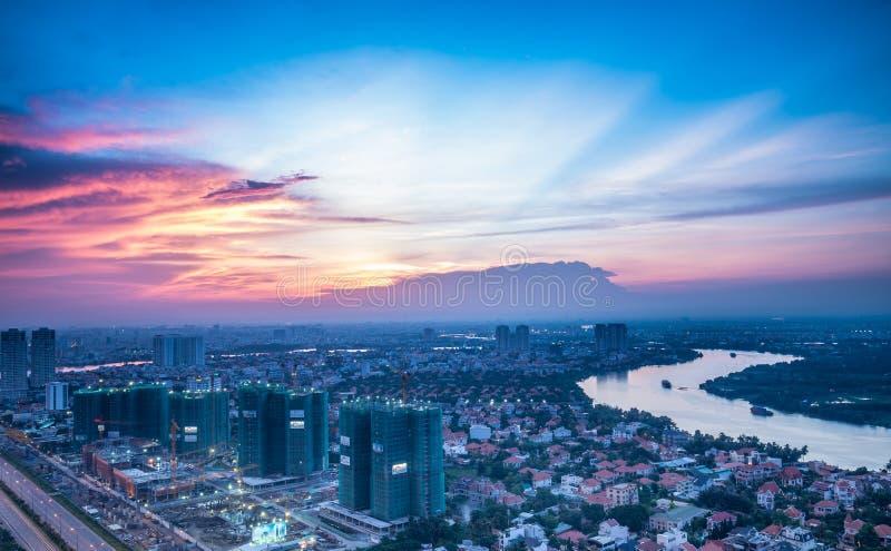 从Cantavil区2-HCM城市的日落视图 库存图片
