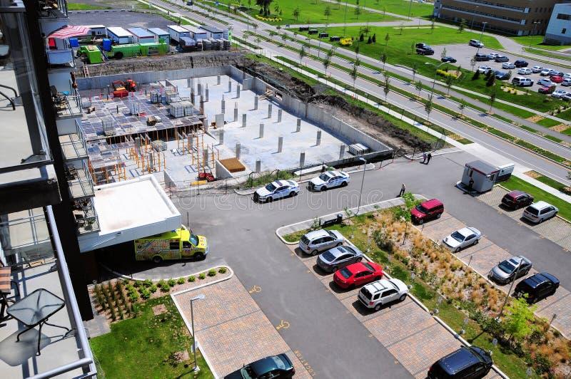 Canteiro de obras complexo na cidade de Terrebonne, Quebeque, Canadá foto de stock