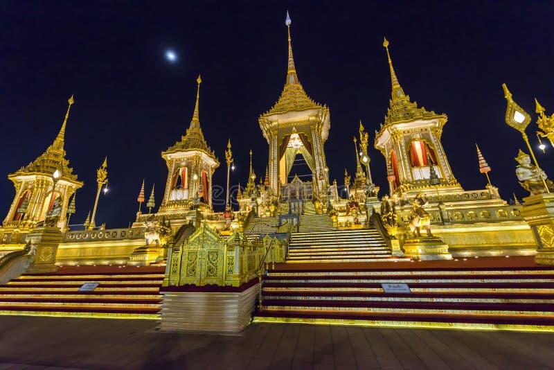 Canteiro de obras da pira funerária fúnebre real na noite em Banguecoque, Tailândia imagem de stock royalty free