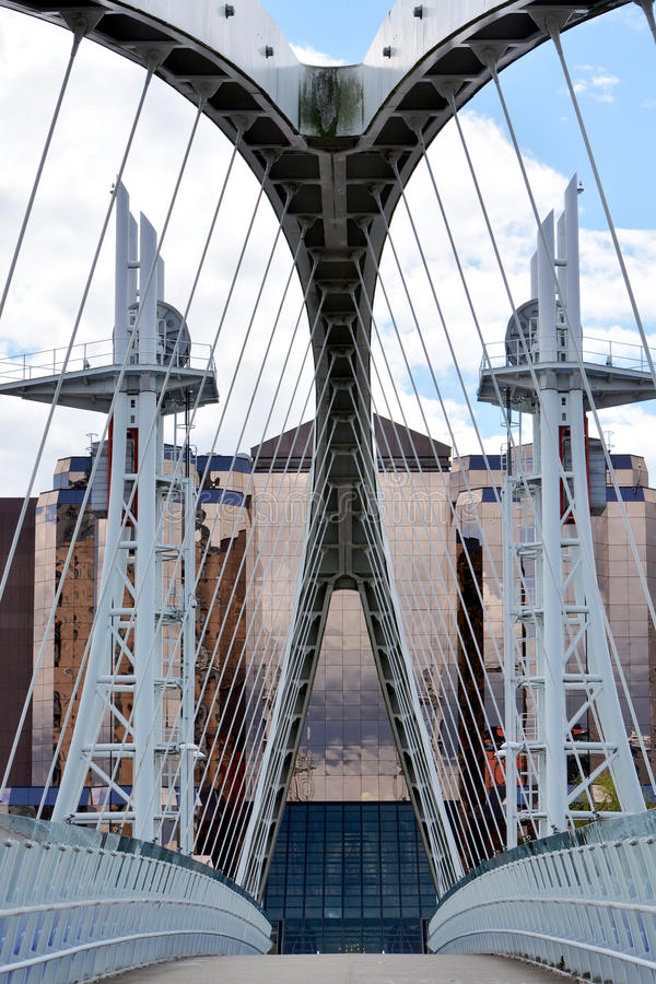 Free Cantelever Bridge To A Glass Building At Salford Dock Area In Manchester UK Royalty Free Stock Images - 55382009