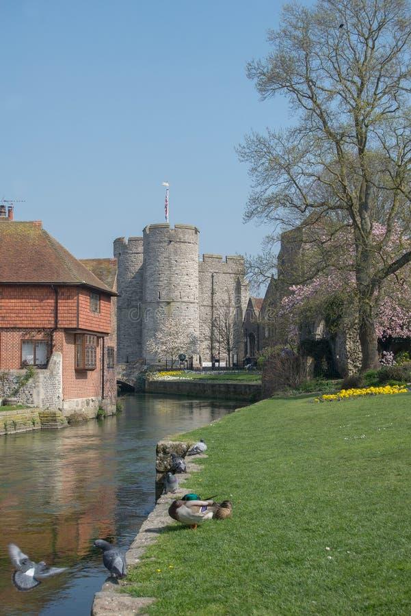 Canterbury Westgate und Rathaus stockfoto