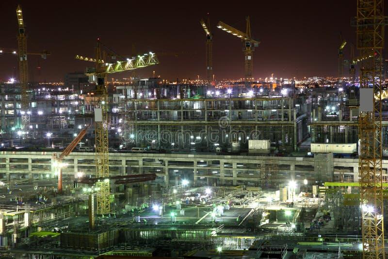 Cantiere alla notte. Doha immagini stock
