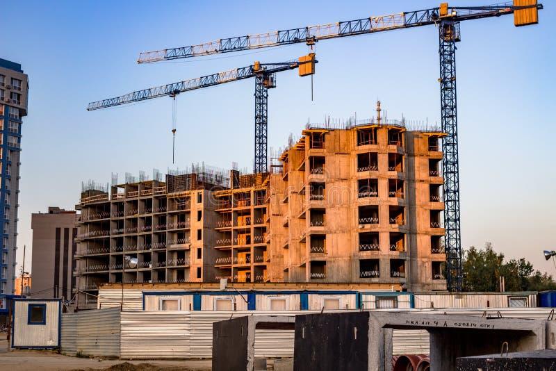 Cantiere di una costruzione di appartamento residenziale immagine stock libera da diritti