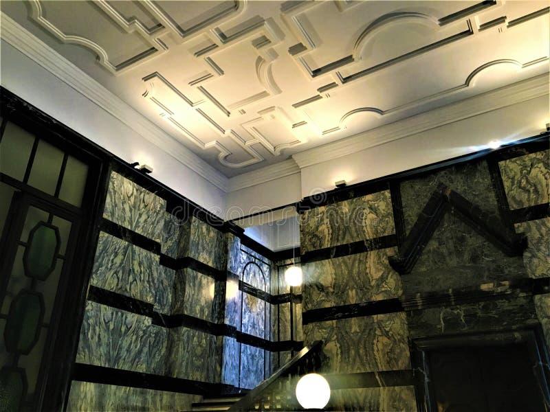 Canto da beleza na cidade de Turin, Itália dentro do instituto nacional da pesquisa Metrological imagem de stock
