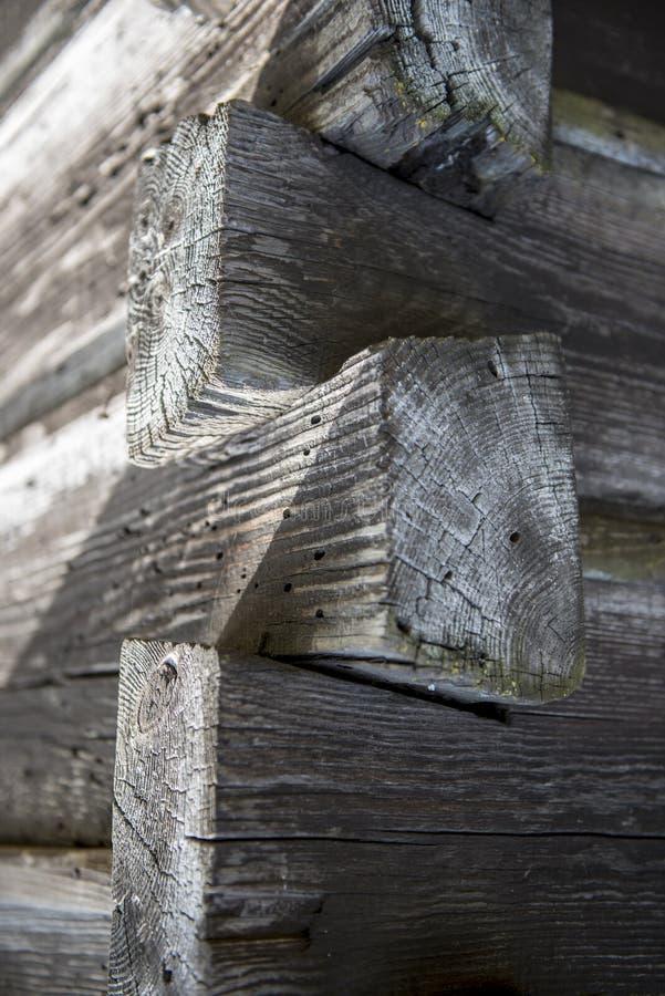 Canto da parede de madeira muito velha foto de stock royalty free