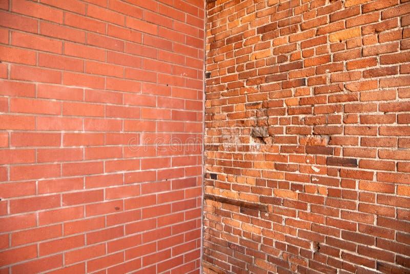 Canto na parede de tijolo imagens de stock