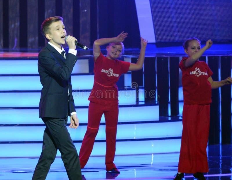 Cantor do russo, ator do teatro e cinema, o representante de Rússia em Junior Eurovision Mikhail Smirnov 2015 no ceremon imagens de stock royalty free