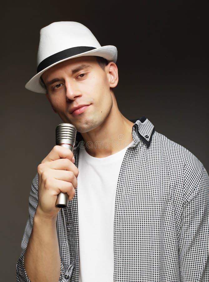 Cantor novo com microfone imagens de stock