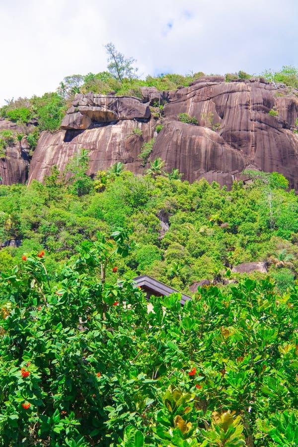 Cantos rodados monumentales lisos grandes en las Seychelles fotografía de archivo libre de regalías