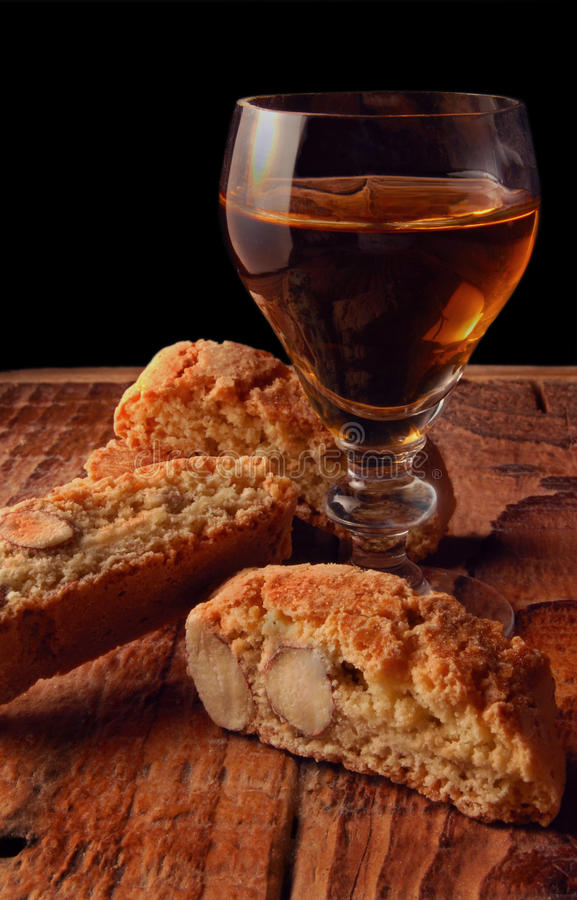 Free Cantucci And Vino Santo Royalty Free Stock Images - 13008129