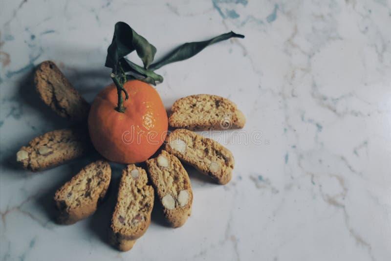 Cantuccini e clementino 库存图片