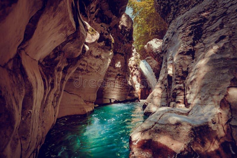 Canyon de Martvili en Géorgie Horizontal de nature images stock