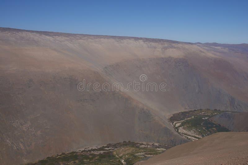 Canyon de Rio Camarones dans le désert d'Atacama photos libres de droits