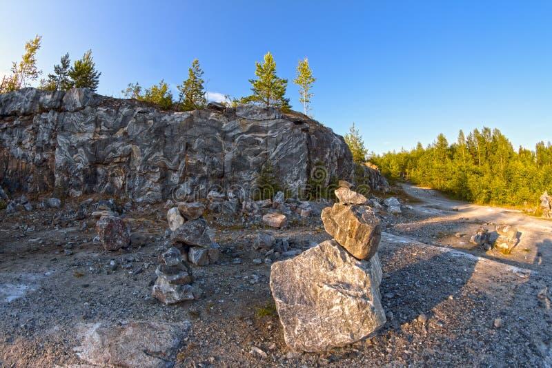 Canyon di marmo in Carelia sopra a nord della Russia fotografie stock libere da diritti