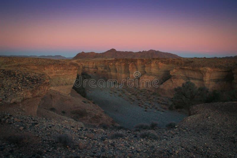 Canyon di Sesriem, una gola naturale scolpita da milioni potenti del fiume di Tsauchab di anni fa fotografie stock libere da diritti