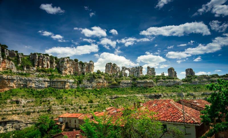 Canyon il fiume Ebro Orbaneja del Castillo immagini stock