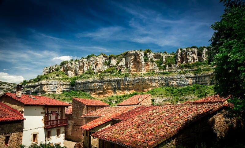 Canyon il fiume Ebro Orbaneja del Castillo immagine stock libera da diritti