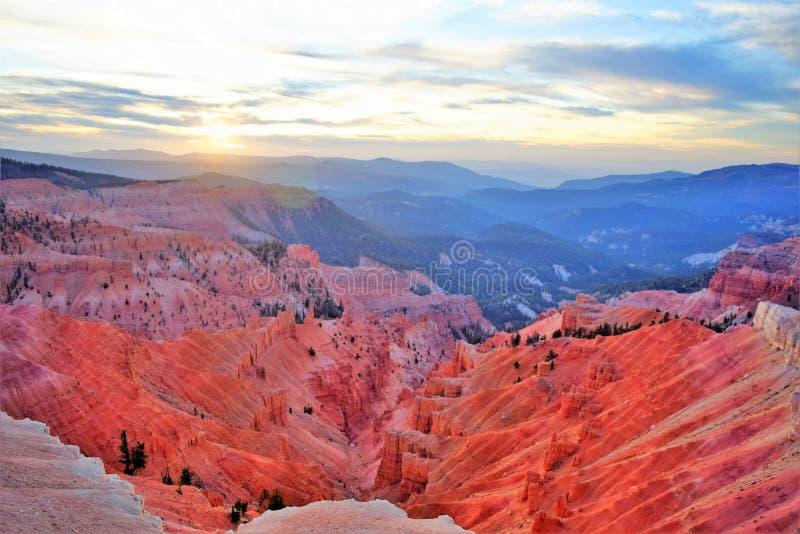 Canyon illuminato al tramonto Cedar Breaks immagine stock libera da diritti