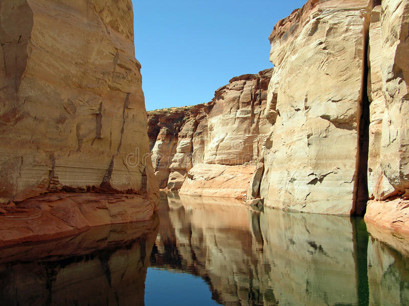 Canyon in lago Powell del lago Powell fotografia stock libera da diritti