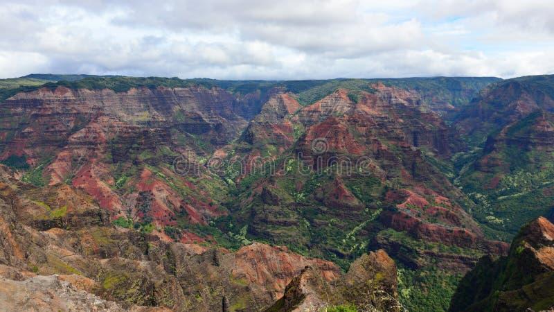 Canyon magnifico di Waimea (anche conosciuto come Grand Canyon del Pacifico) nell'isola di Kauai immagini stock
