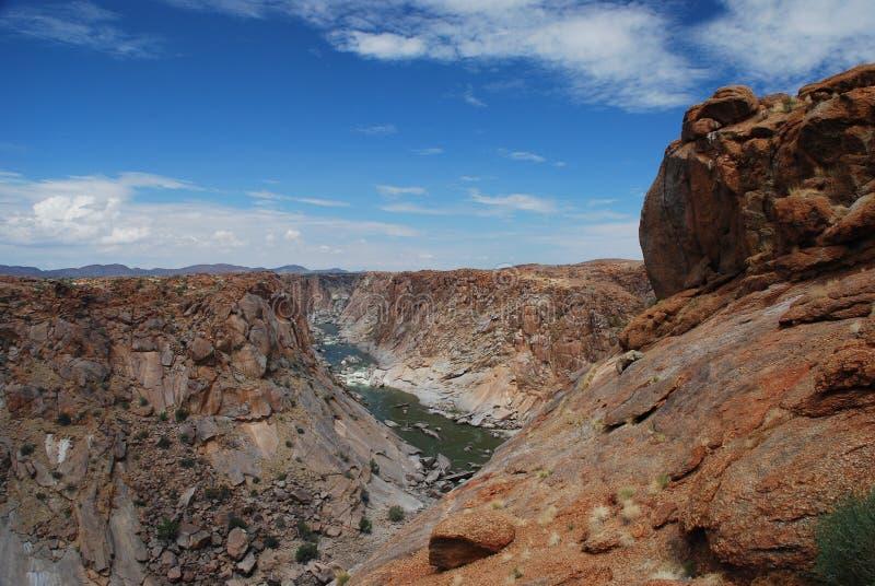 Canyon orange de rivière. Augrabies tombe parc national, le Cap-du-Nord, Afrique du Sud photographie stock libre de droits