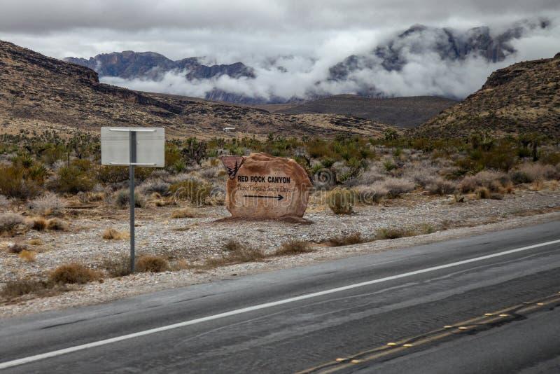 Canyon rouge de roche d'entr?e de signe, Nevada Etats-Unis image stock