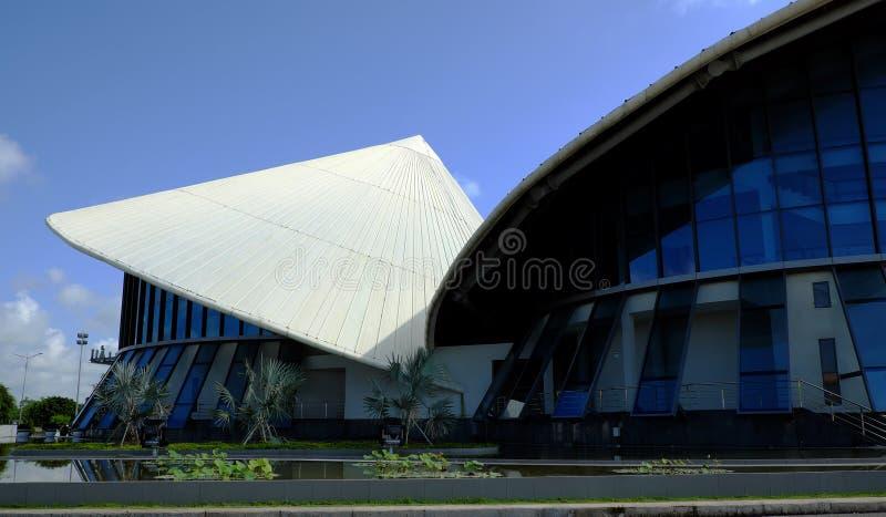 Cao范拉乌剧院,圆锥形帽子大厦 免版税库存照片