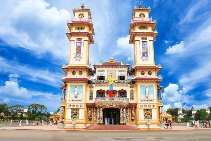 Cao Dai Temple i det Tay Ninh landskapet, Vietnam royaltyfri foto