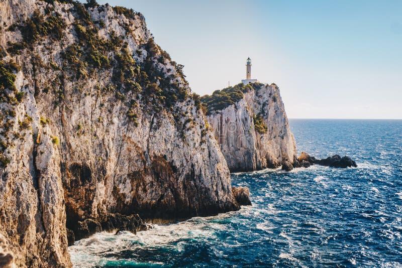 Cap Leucade ou phare et falaises de Lefkas dans le pair du sud photographie stock