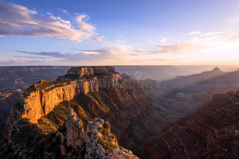 Cap royal dans la jante de nord de Grand Canyon images libres de droits