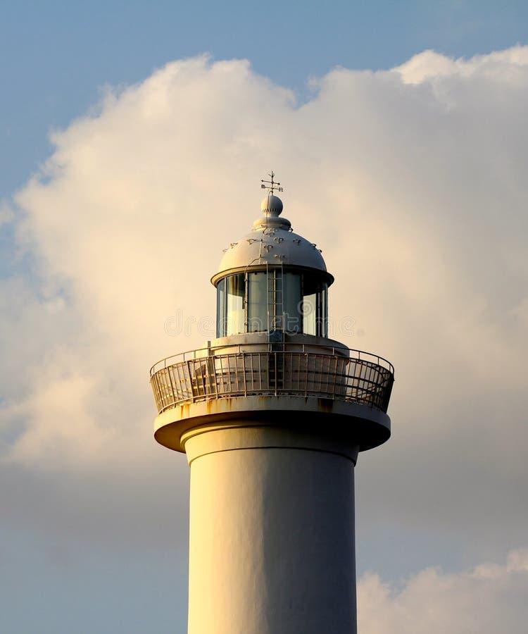 Cap Zampa, village de Yomitan, Okinawa Japan de phare au coucher du soleil photos libres de droits