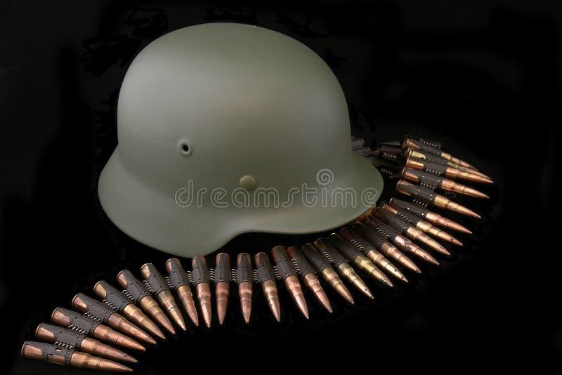 Capacete alemão da batalha de WWII foto de stock