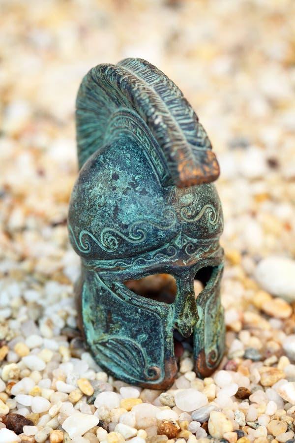 Capacete grego de bronze imagem de stock