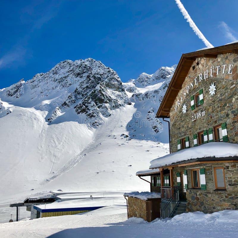 Capanna alpina Dresdner Huette in Stubai immagine stock libera da diritti