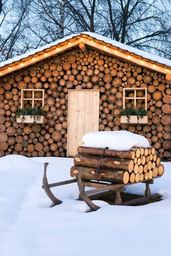 Capanna del pattino in inverno immagini stock
