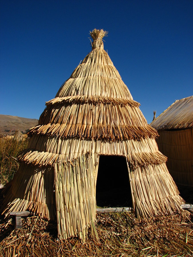 Capanna a lamella nel lago Titicaca fotografie stock