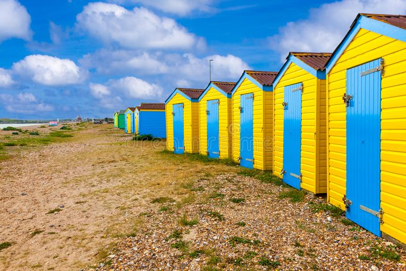 Capanne della spiaggia di Littlehampton immagine stock