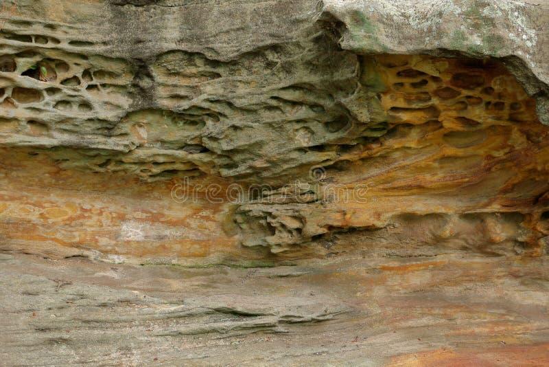 Capas geol gicas de tierra foto de archivo imagen 51349956 - Bater roca precios ...