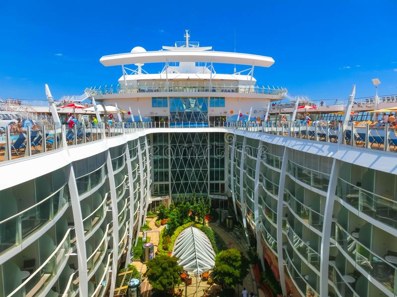A Cruise in Abra