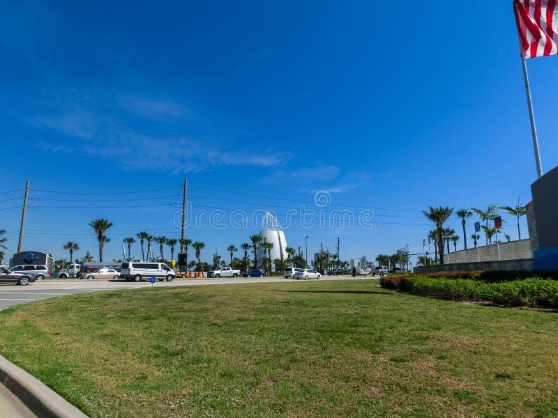 Cape Canaveral USA - April 29, 2018: Utforskningtornet lokaliseras på porten av Canaveral och särdraggyckelutställningar royaltyfria bilder