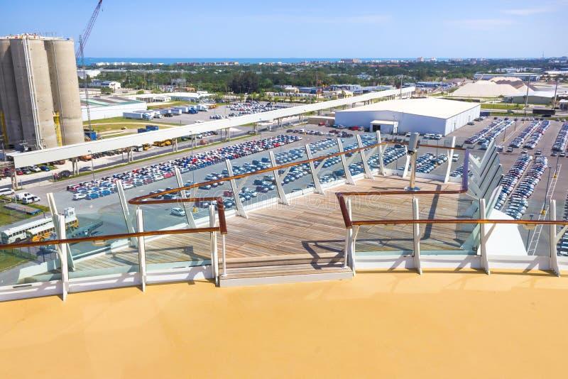 Cape Canaveral USA Den arial sikten av port Canaveral från kryssningskeppet arkivfoto