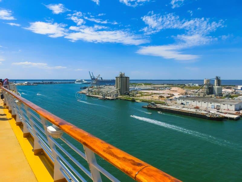 Cape Canaveral USA Den arial sikten av port Canaveral från kryssningskeppet royaltyfri foto