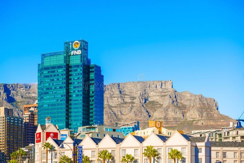 Cape Town du centre avec la montagne de Tableau photos stock